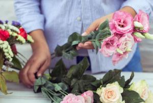Как продлить жизнь срезанным цветам