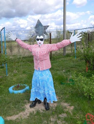Как сделать пугало огородное?